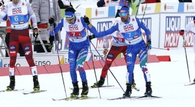 Fase di cambio nella team sprint di combinata nordica